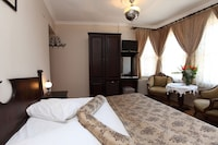 Standard Room, 1 Double or 2 Single Beds - Breakfast included