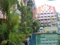 Suite Pool Access