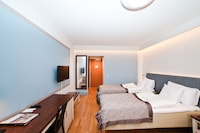 Standard Twin Room (with Possibility of Extra Bed)(Meadow Wing)