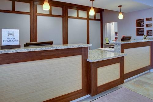 西部棕櫚海灘希爾頓惠庭套房飯店