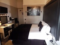 Executive, One Double Bed (No 4)