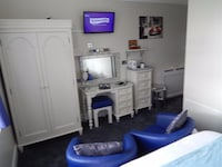 Standard EnSuite, Two Single Beds (No 7)