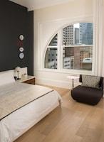 Studio Suite, 1 King Bed, Non Smoking