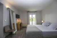 Double Room ( 2 adults)