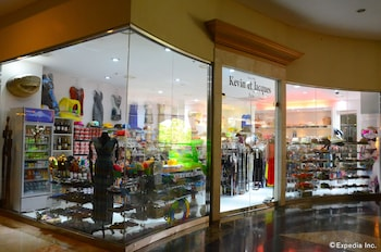 Jpark Island Resort & Waterpark Cebu Gift Shop
