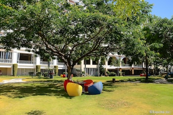 Jpark Island Resort & Waterpark Cebu Garden