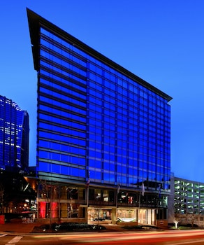The Ritz Carlton Charlotte 0 1 Miles From Time Warner Cable Arena