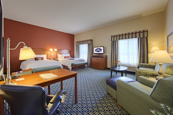 Hampton Inn and Suites Ridgecrest - Ridgecrest, CA 93555 - Guestroom