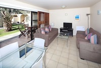 Standard Apartment, 2 Bedrooms, Courtyard Area