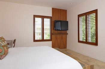 Casa Victoria Orchid - Miami Beach, FL 33139 - Guestroom