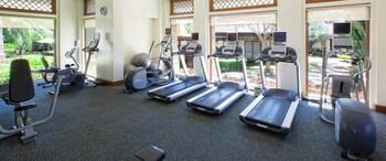 Crimson Resort and Spa Mactan Gym