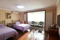 Sunny Room (with balcony) - Non-refundable