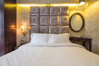 Deluxe Room, 1 Double Bed (free soft drink or beer)
