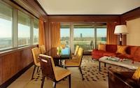 London Balcony Suite - Weekend Escape