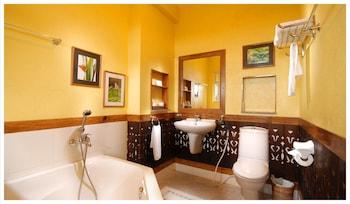 Amarela Resort Bohol Bathroom