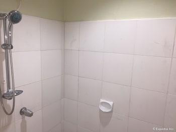 Cleverlearn Residences Cebu Bathroom