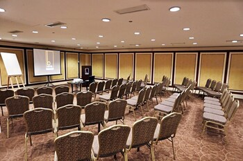 The B Hotel Manila Meeting Facility