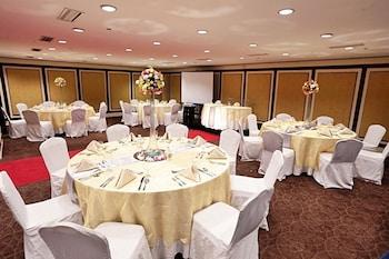 The B Hotel Manila Banquet Hall