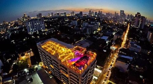 天堂素坤威特飯店
