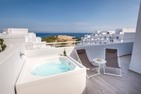 Superior Double Room, Hot Tub, Sea View