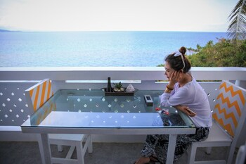 Flora East Resort and Spa Boracay Outdoor Dining