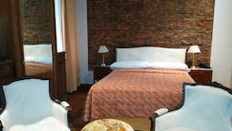 Hotel AyB Internacional