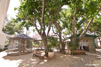 EGI Resort and Hotel Mactan Courtyard