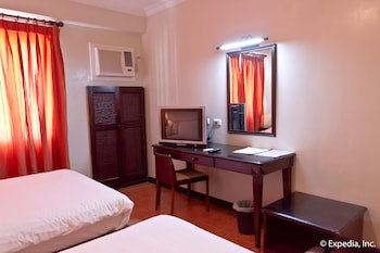EGI Resort and Hotel Mactan Guestroom