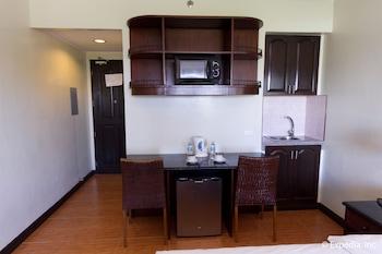 EGI Resort and Hotel Mactan In-Room Business Center