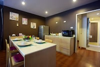 Family Twin Room, 2 Bedrooms, Poolside