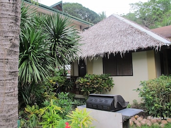 Blue Ribbon Dive Resort Puerto Galera BBQ/Picnic Area