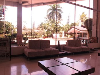 The Ritz Hotel at Garden Oases Davao Lobby Sitting Area