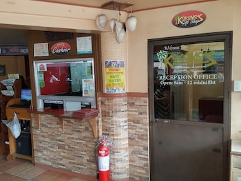 Kokomos Hotel & Restaurant Pampanga Interior Entrance