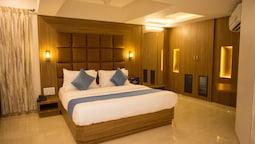 Hotel J K Regency