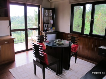 The Manor at Puerto Galera In-Room Dining