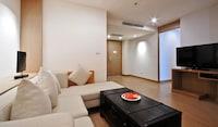 Executive Suite, Balcony
