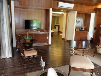 Asya Premier Suites Boracay Living Area