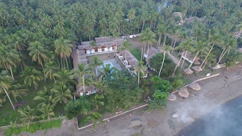 Elysia Beach Resort Donsol Property Grounds