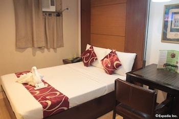 ACL Suites Quezon City Guestroom