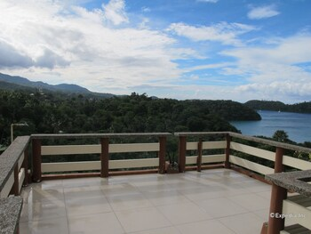 Utopia Resort And Spa Puerto Galera Terrace/Patio