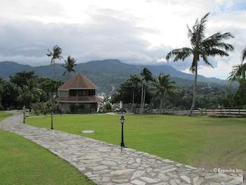 Utopia Resort And Spa Puerto Galera Property Grounds