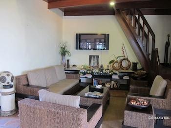 Utopia Resort And Spa Puerto Galera Lobby Sitting Area