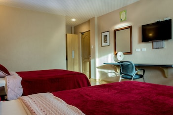 Tagaytay Wingate Manor Guestroom