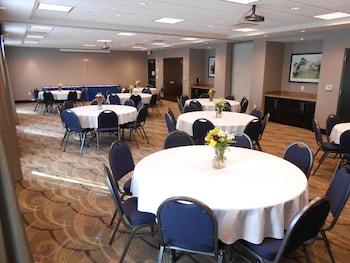 Holiday Inn Express & Suites Kansas City KU Medical Center - Kansas City, KS 66103 - Meeting Facility