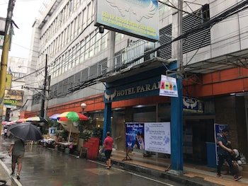 Hotel Paradis Manila Exterior detail