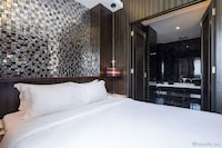 Senior Suite, 1 Double Bed (VIP Room)