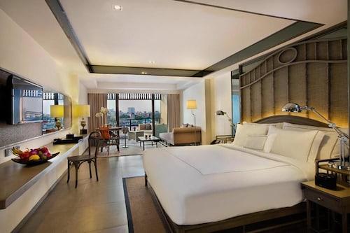 曼谷裡瓦蘇裡亞飯店
