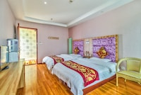 Deluxe Twin Room (2 single beds)