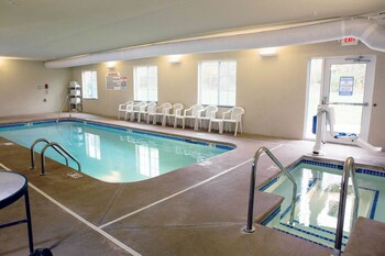 Cobblestone Hotel Knoxville