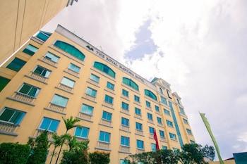 The Royal Mandaya Hotel Davao Exterior